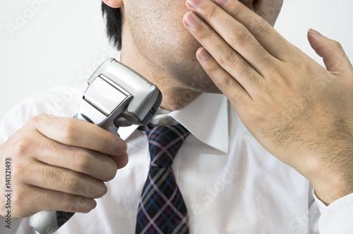 Fotografie, Obraz  朝の髭剃り
