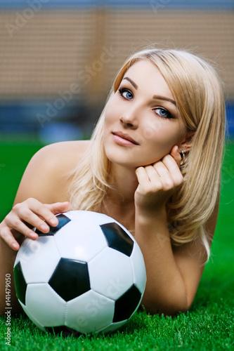 Hots Nude Blonde Soccer Girls Photos