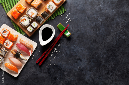 Poster de jardin Sushi bar Set of sushi and maki