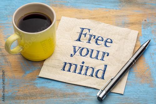Fotografía  free your mind reminder on napkin