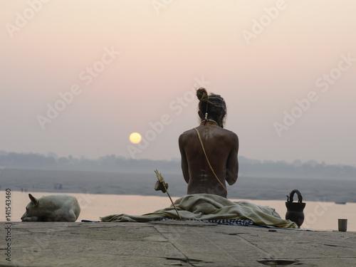 Valokuvatapetti Yogi in India, Varanasi. December 2015