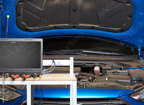 Zdjęcie XXL Profesjonalna usługa elektryczna samochodu