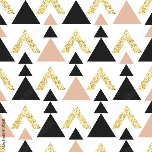 tlo-zloto-geometryczne-trojkata-streszczenie-wzor-z-trojkatow-w-zloto-i