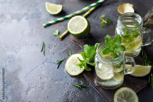 Valokuva  Mojito cocktail in mason jar