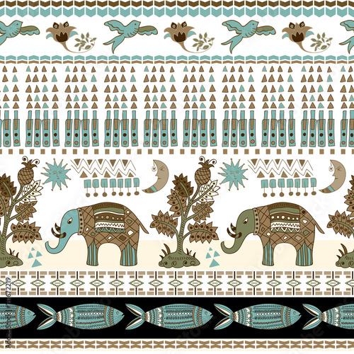 kwiatowy-i-zwierzecy-bezszwowy-wzor-w-paisley-stylu-ozdobne-tlo-indyjskie