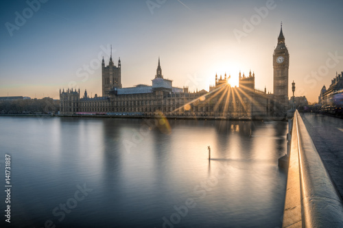 Fotomural  Big Ben and the houses of Parliament in London at dusk
