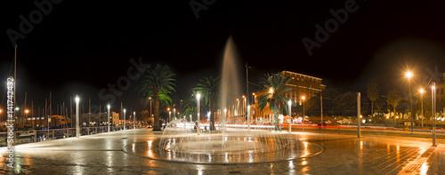 Fotobehang Volle maan Cagliari di notte al porto