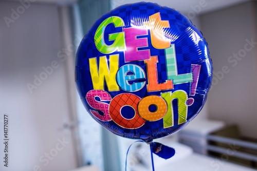Valokuvatapetti Get well soon balloon in hospital