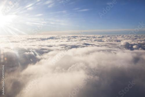 Photo vue du ciel et des nuages d'un avion