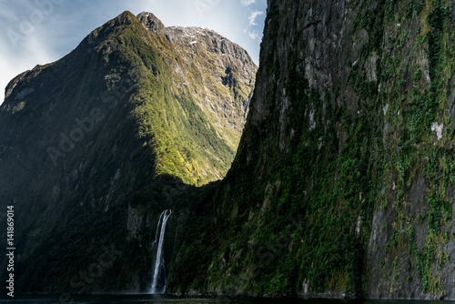 Mood at Stirling Falls | Fiordland Nationa Park, NZ Tableau sur Toile