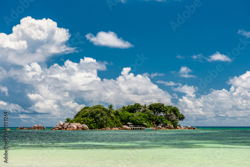Foto op Canvas Tropical strand Tropical island at Seychelles