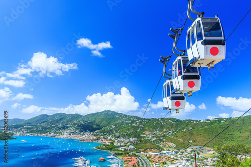 Spoed Foto op Canvas Caraïben Caribbean, St. Thomas, USVI. Cable car at Heavensight in Charlotte Amelie.
