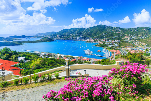 Foto auf AluDibond Karibik Caribbean, St Thomas US Virgin Islands. Panoramic view.