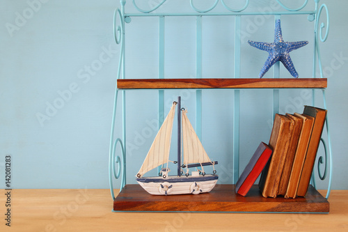Keuken foto achterwand Schip Nautical concept with sea life style objects on wooden table