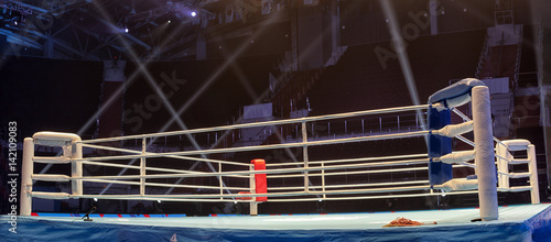 Deurstickers Vechtsport Boxing ring before the event Boxing Championship.