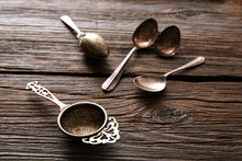 Vintage Retro Tea Strainers Si...