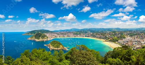 Fototapeta premium Panoramiczny widok na San Sebastian