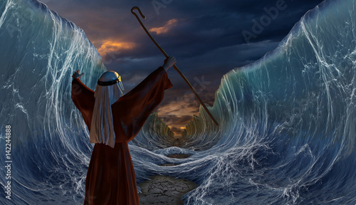 Cuadros en Lienzo Crossing the Red Sea with Moses