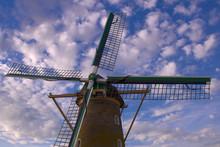 Windmolen Met Heldere Blauwe L...