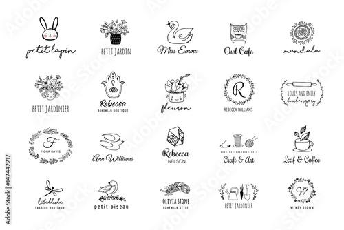 Foto auf AluDibond Boho-Stil Hand drawn, simple and chic bohemian logo set