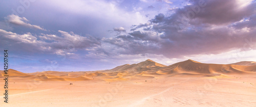 Photo sur Toile Desert de sable Dunhuang, China - August 05, 2014: Dunes of the Gobi desert in Dunhuang, China