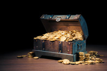 Open Treasure Chest With Gold ...