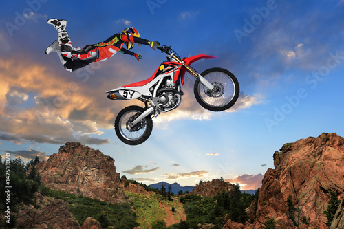 Photo sur Toile Motorise Man Performing stunt on Motorcycle