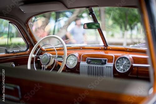 Платно Retro car, retro torpedo car, vintage steering wheel