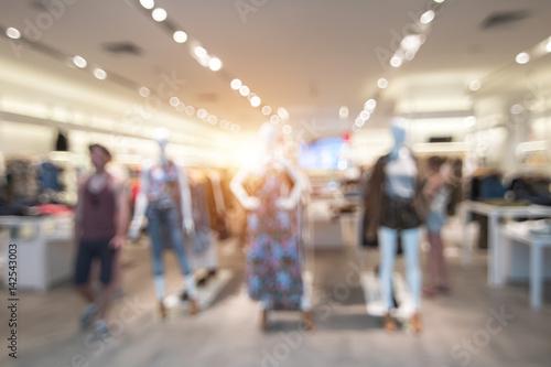 Fototapeta rozmycie ubrania na zakupy