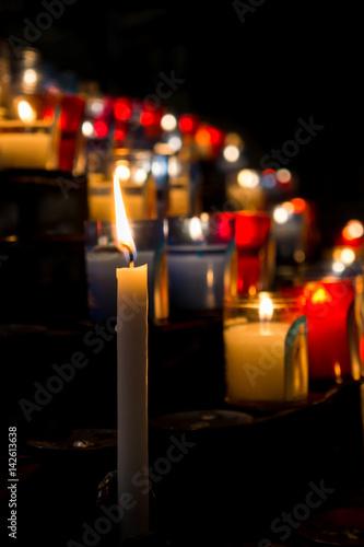 Fotografia, Obraz  cierges dans l'église