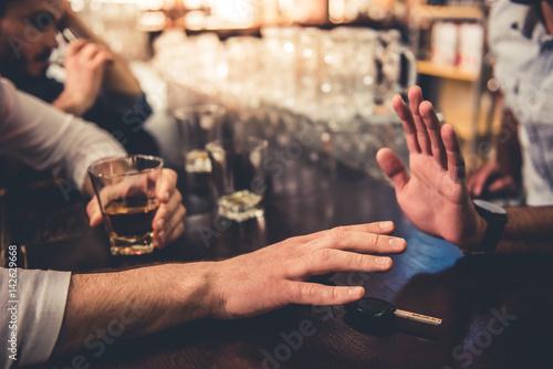 Fotografija  Friends in pub