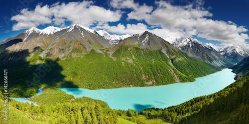 Foto  Mountain lake
