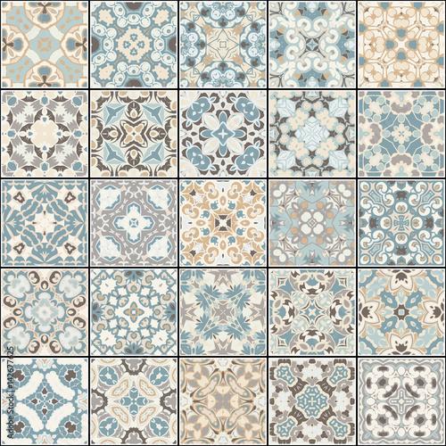 kolekcja-plytek-ceramicznych-w-kolorach-niebieskim-i-bezowym-zestaw-kwadratowych-wzorow-w-stylu-wschodnim-ilustracji-wektorowych