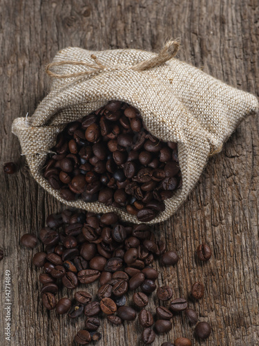 Deurstickers koffiebar Coffee beans in bag
