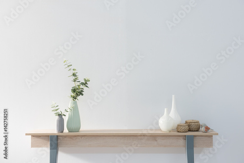 Photo  modern home objects on the wooden desk