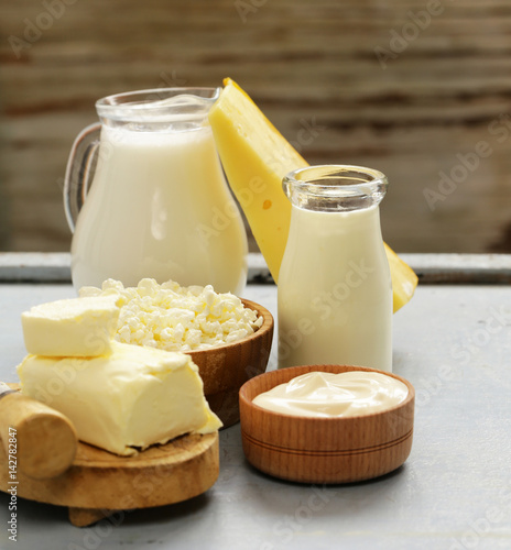 Foto op Aluminium Zuivelproducten Dairy products - cheese, butter, milk