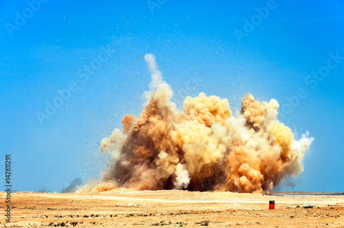Detonating blasting on the construction site Canvas-taulu
