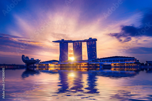 Photo  View Of Marina Bay sands at sunrise in Singapore