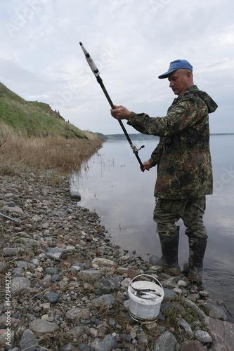 Fotobehang Vissen рыбалка на вечерней зарьке