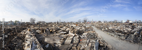 Foto  NEW YORK -November12: The fire destroyed around 100 houses during Hurricane Sand