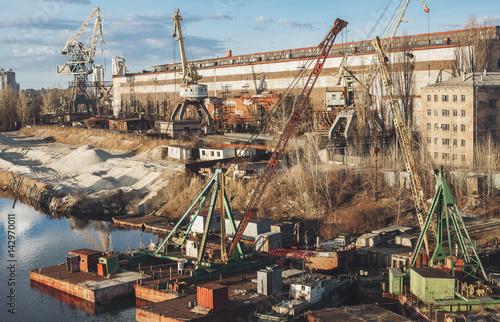 Staande foto Industrial geb. Industrial port