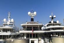 Modern Yachts With Massiv Rada...