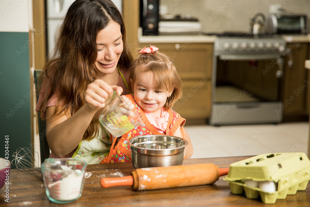 cook single parents If you are a single parent trying to figure out how to cook for your kids, yourself and the occasional guest then step into my kitchen with me i have been working hard to use my kitchen skills to understand cooking as a single parent.