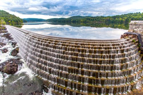 Fotografie, Obraz  Crotor dam with clouds