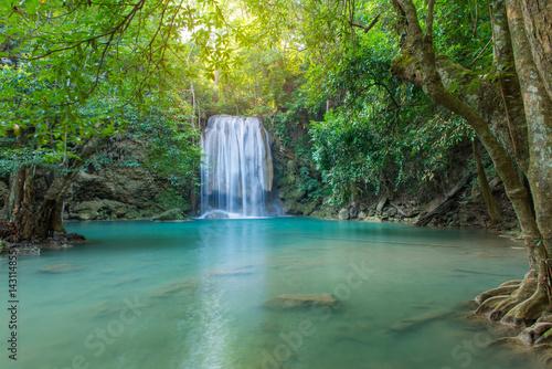 Küchenrückwand aus Glas mit Foto Wasserfalle Waterfall in Deep forest at Erawan waterfall National Park,
