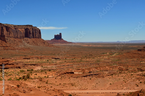 Stickers pour portes Orange eclat USA - july 8 2016 : Monument Valley
