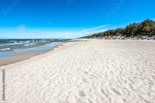 Obrazy Polska sand-beach-in-the-summer-landscape-tourist-travel-background