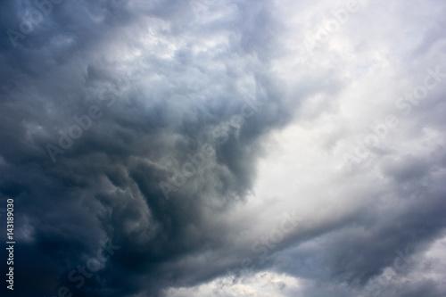 Altostratus storm clouds illuminated by sun Tablou Canvas