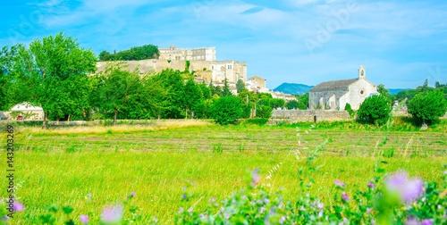 Papiers peints Vert chaux Château de Grignan en Provence, France