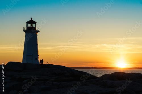 Montage in der Fensternische Leuchtturm Peggy's Cove Lighthouse, Nova Scotia at sunset.